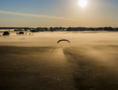 Утро. Туман. Параплан.